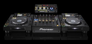 RMX1000-front-with-CDJ2000-and-DJM900jpg